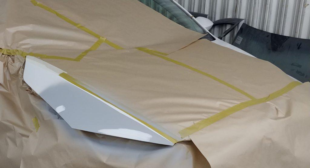 Ремонт капота skoda octavia- загрутнованная поверхность