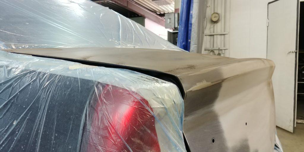 Ремонт крышки багажника Renault Logan